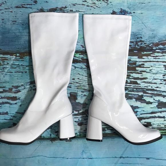 Elle Shoes | White Gogo Boots Size 7